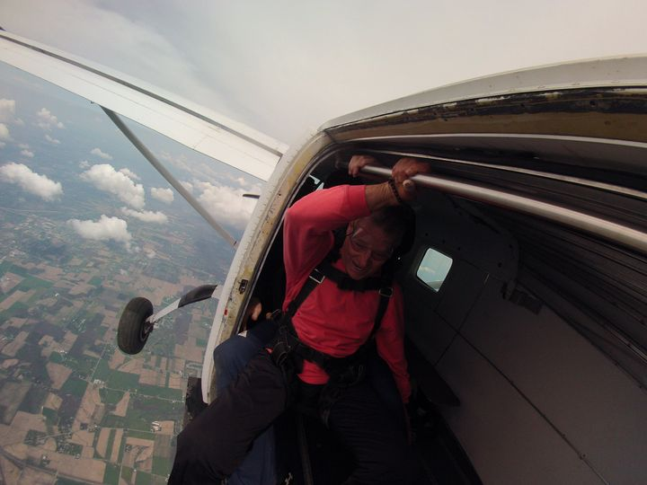 gary sky diving
